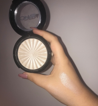 ofra-highlighter-glazed-donut-makeup