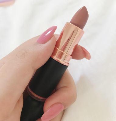 revolution-iconic-matte-lipstick-chauffeur